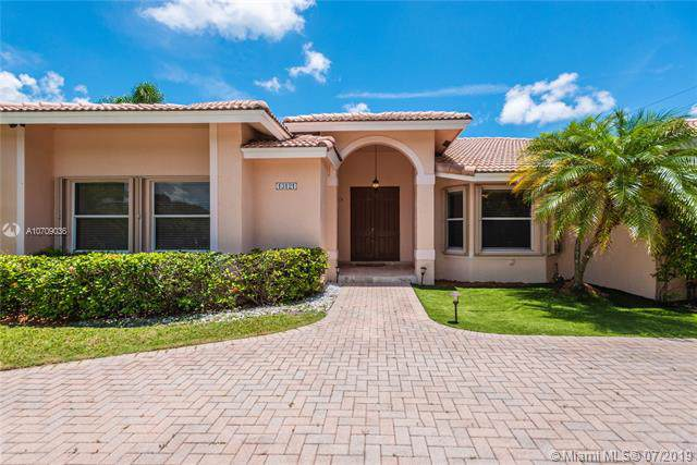 13121 SW 107th Ave, Miami, FL 33176 (MLS #A10709036) :: Grove Properties