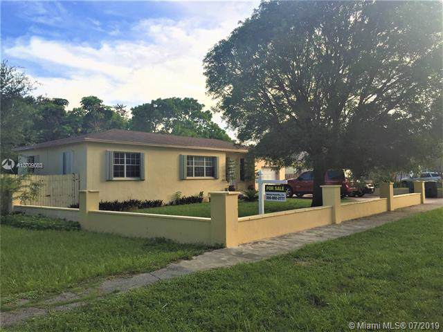 1260 NE 133rd St, North Miami, FL 33161 (MLS #A10709083) :: Lucido Global