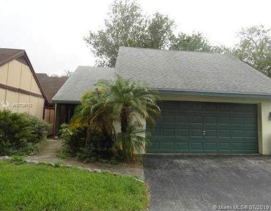 1467 Martin Ct, Homestead, FL 33035 (MLS #A10709110) :: Berkshire Hathaway HomeServices EWM Realty