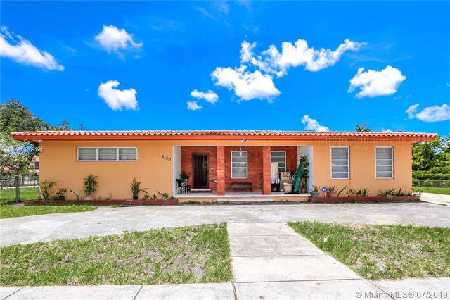 3130 NW 14th St, Miami, FL 33125 (MLS #A10709121) :: The Erice Group