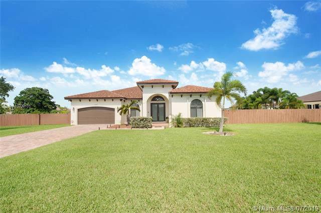 29462 SW 167th Ave, Homestead, FL 33030 (MLS #A10709131) :: Berkshire Hathaway HomeServices EWM Realty