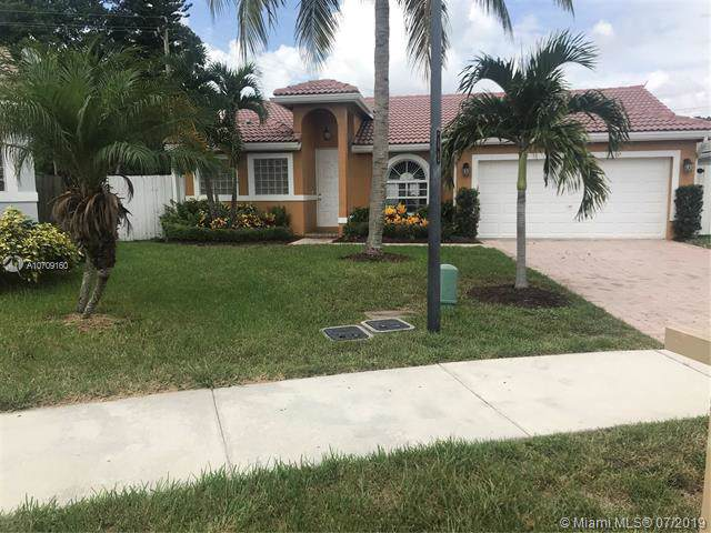 2000 NW 44TH ST, Oakland Park, FL 33309 (MLS #A10709160) :: The Paiz Group