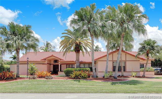 10860 SW 138th St, Miami, FL 33176 (MLS #A10709181) :: Berkshire Hathaway HomeServices EWM Realty