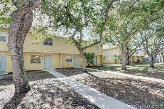 2018 10th S St C, Fort Pierce, FL 34950 (MLS #A10709253) :: Berkshire Hathaway HomeServices EWM Realty