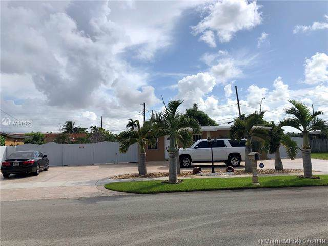 10711 SW 49th Ter, Miami, FL 33165 (MLS #A10709339) :: The Riley Smith Group