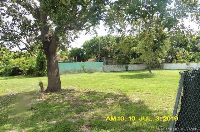 231 NW 74th St, Miami, FL 33150 (MLS #A10709529) :: Grove Properties