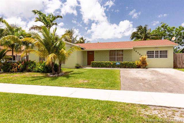 13255 SW 265th Ter, Homestead, FL 33032 (MLS #A10709556) :: The Teri Arbogast Team at Keller Williams Partners SW