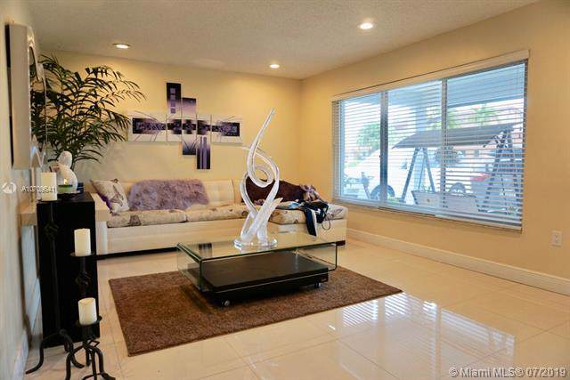 1620 SW 126 PL, Miami, FL 33175 (MLS #A10709641) :: The Riley Smith Group