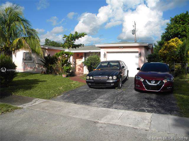 4019 NW 37th Ter, Lauderdale Lakes, FL 33309 (MLS #A10709642) :: The Paiz Group