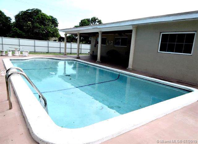 19501 NW 1st Ct, Miami Gardens, FL 33169 (MLS #A10709651) :: Grove Properties