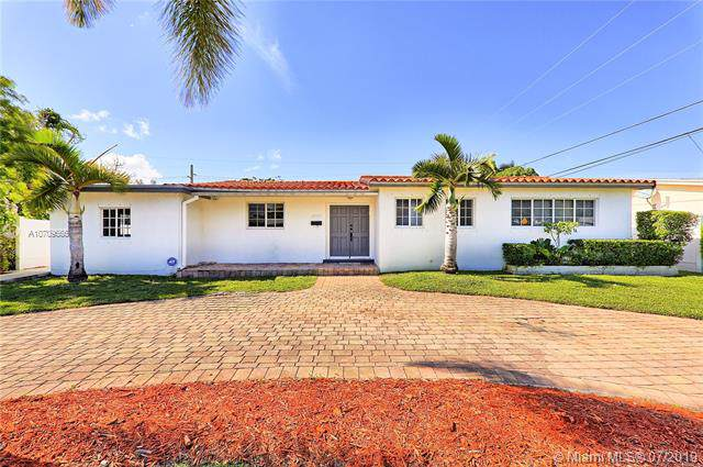 2545 NE 214th Street, Miami, FL 33180 (MLS #A10709666) :: RE/MAX Presidential Real Estate Group