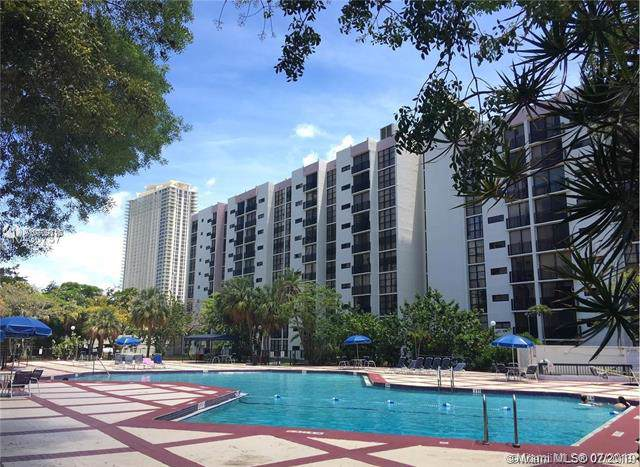 17021 N Bay Rd #522, Sunny Isles Beach, FL 33160 (MLS #A10709710) :: Miami Villa Group