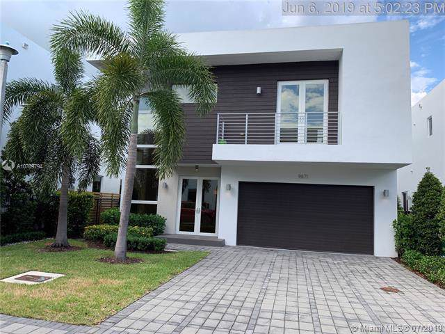 9871 NW 74th Ter, Doral, FL 33178 (MLS #A10709794) :: Lucido Global