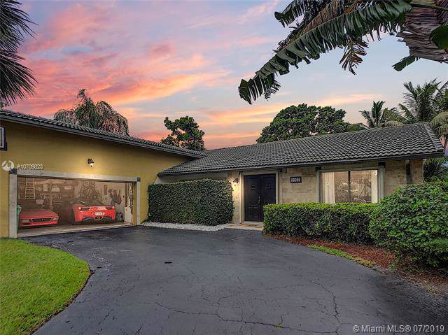 9966 NW 6th St, Coral Springs, FL 33071 (MLS #A10709823) :: United Realty Group