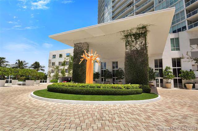 450 Alton Rd #1008, Miami Beach, FL 33139 (MLS #A10709842) :: The Teri Arbogast Team at Keller Williams Partners SW