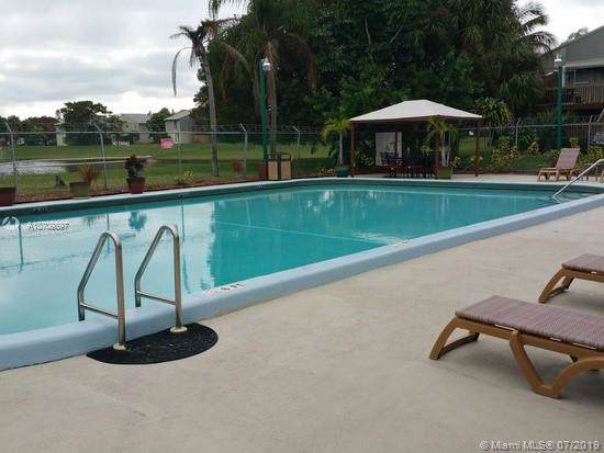 32 Crossings Cir D, Boynton Beach, FL 33435 (MLS #A10709897) :: Grove Properties