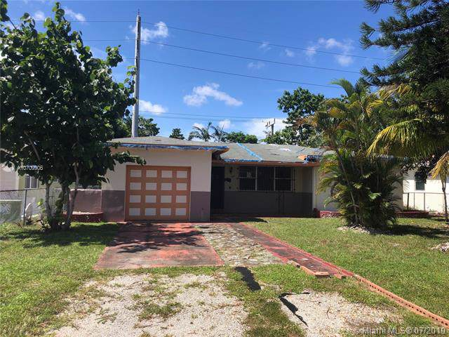 1331 NE 161st St, North Miami Beach, FL 33162 (MLS #A10709906) :: Lucido Global