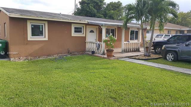 10960 SW 217 ST, Miami, FL 33170 (MLS #A10709957) :: Grove Properties