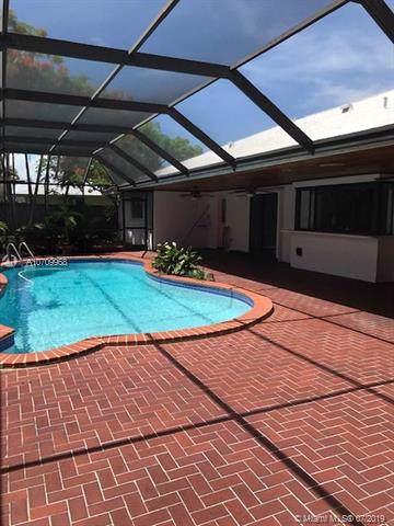 18240 SW 78th Pl, Palmetto Bay, FL 33157 (MLS #A10709968) :: The Riley Smith Group