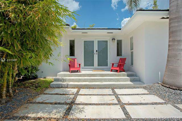 424 E Dilido Dr, Miami Beach, FL 33139 (MLS #A10709997) :: Ray De Leon with One Sotheby's International Realty