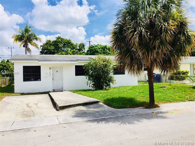 1485 NE 152nd St, North Miami Beach, FL 33162 (MLS #A10710001) :: Lucido Global