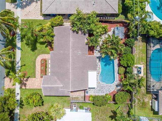 2124 NE 63rd Ct, Fort Lauderdale, FL 33308 (MLS #A10710098) :: The Riley Smith Group