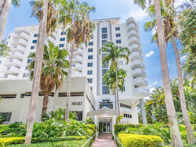 1621 Bay Rd #502, Miami Beach, FL 33139 (MLS #A10710184) :: Ray De Leon with One Sotheby's International Realty