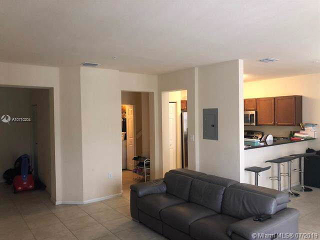 8740 NW 97th Ave #203, Doral, FL 33178 (MLS #A10710204) :: Lucido Global