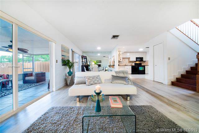 14067 SW 66th Ter, Miami, FL 33183 (MLS #A10710228) :: The Adrian Foley Group