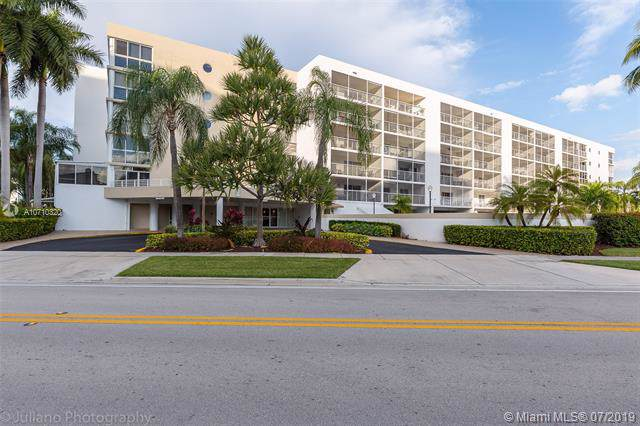 17801 N Bay Rd #514, Sunny Isles Beach, FL 33160 (MLS #A10710320) :: The Riley Smith Group