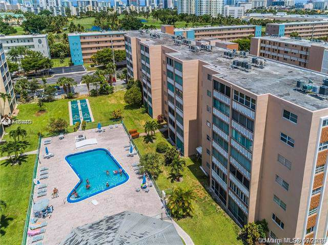 301 NE 14th Ave #502, Hallandale, FL 33009 (MLS #A10710377) :: The Brickell Scoop