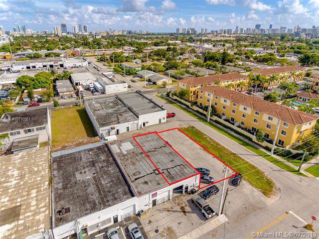 204 NW 3rd Ave, Hallandale, FL 33009 (MLS #A10710381) :: The Brickell Scoop