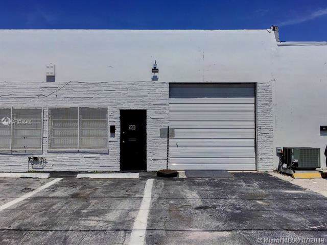 208 NW 3rd Ave, Hallandale, FL 33009 (MLS #A10710400) :: Castelli Real Estate Services