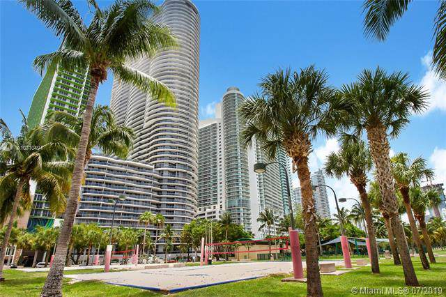 488 NE 18th St #3611, Miami, FL 33132 (MLS #A10710494) :: The Teri Arbogast Team at Keller Williams Partners SW