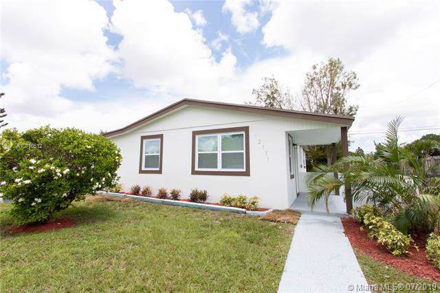 12111 SW 168th Ter, Miami, FL 33177 (MLS #A10710512) :: United Realty Group