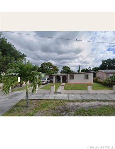 4241 SW 27th St, West Park, FL 33023 (MLS #A10710568) :: The Teri Arbogast Team at Keller Williams Partners SW