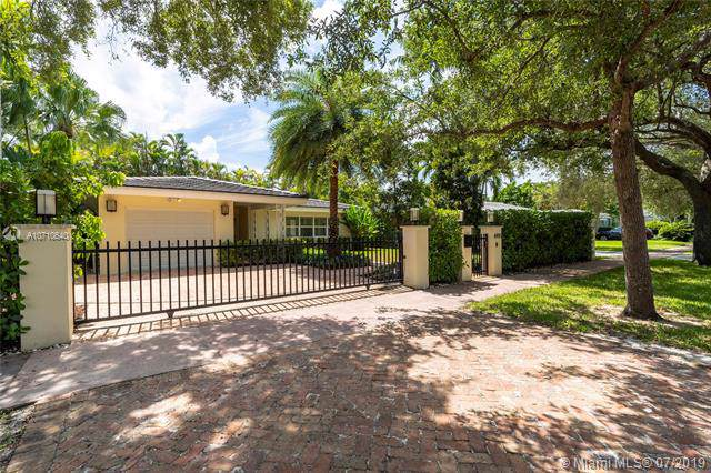 6905 Barquera St, Coral Gables, FL 33146 (MLS #A10710640) :: United Realty Group