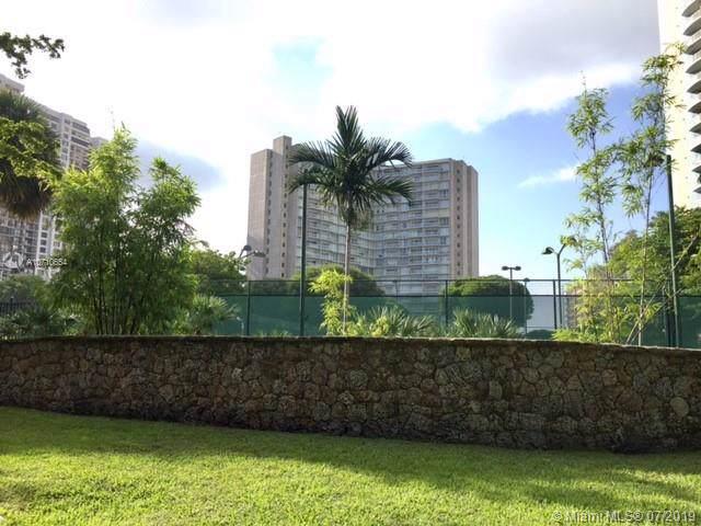 2451 Brickell Ave 18C, Miami, FL 33129 (MLS #A10710654) :: Castelli Real Estate Services