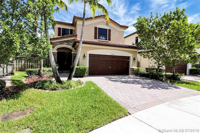 10089 NW 87th Ter, Doral, FL 33178 (MLS #A10710680) :: United Realty Group