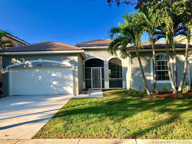 2919 Augusta Cir, Homestead, FL 33035 (MLS #A10710740) :: United Realty Group
