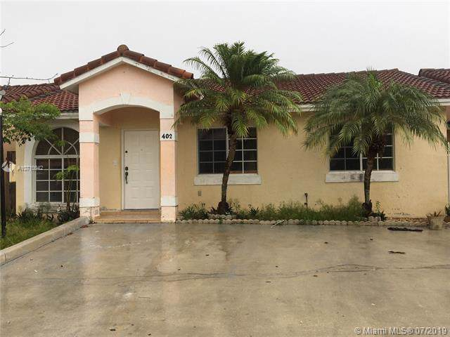 Hialeah, FL 33015 :: United Realty Group