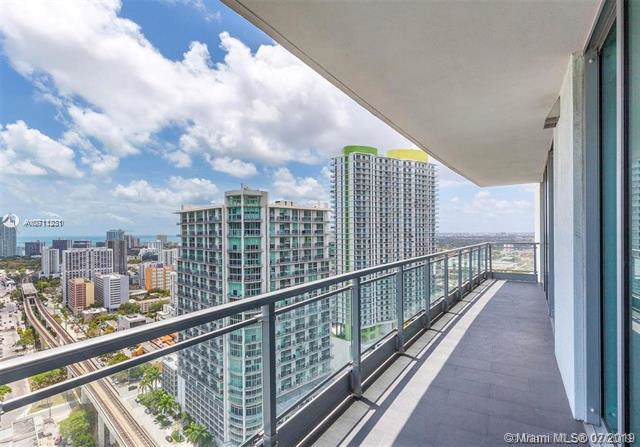 92 SW 3rd St #3504, Miami, FL 33130 (MLS #A10711231) :: ONE Sotheby's International Realty
