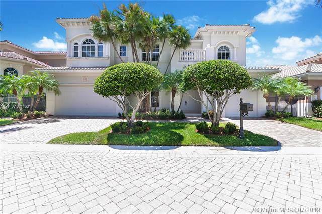 825 Meridian Ln, Hollywood, FL 33019 (MLS #A10711631) :: Grove Properties