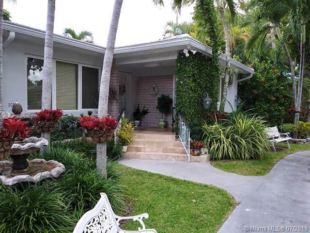 1013 Capri St, Coral Gables, FL 33134 (MLS #A10711766) :: Laurie Finkelstein Reader Team