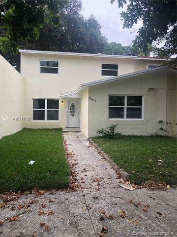 3907 NW 207th St Rd, Miami Gardens, FL 33055 (MLS #A10711795) :: Laurie Finkelstein Reader Team