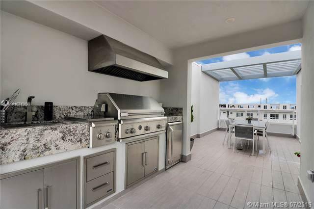 10351 NW 64th Ln, Doral, FL 33178 (MLS #A10712098) :: Grove Properties