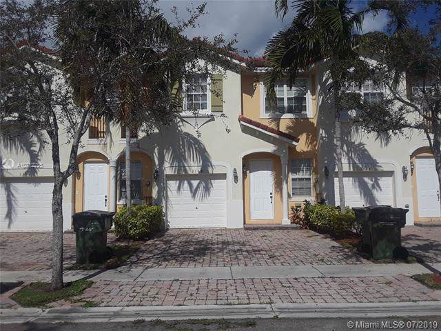 3168 NE 11th St, Homestead, FL 33033 (MLS #A10712225) :: Berkshire Hathaway HomeServices EWM Realty