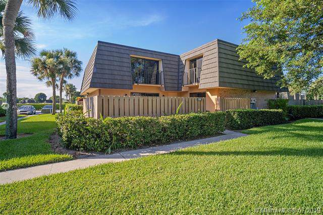 1310 13th Way, West Palm Beach, FL 33407 (MLS #A10712690) :: Ray De Leon with One Sotheby's International Realty