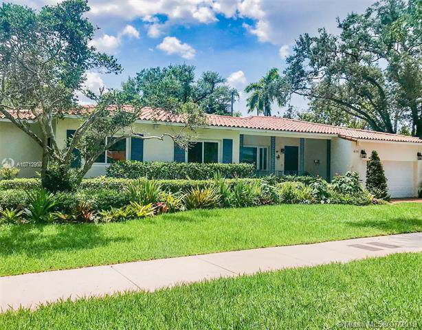 6018 San Vicente St, Coral Gables, FL 33146 (MLS #A10712958) :: The Rose Harris Group