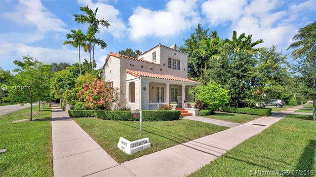 1265 Andalusia Ave, Coral Gables, FL 33134 (MLS #A10713229) :: The Jack Coden Group